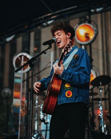 Zach Herron Phone Number, Whatsapp Number, Mobile Number, Fanmail, Office Address, Email Id